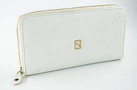Стильный женский кожаный клатч Fran Diar  белого цвета с золотистой молнией (FD80-1141F)