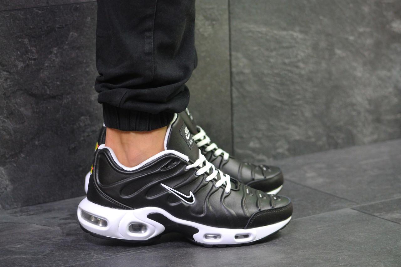 Мужские кроссовки Nike Air Max Tn Black/White 46