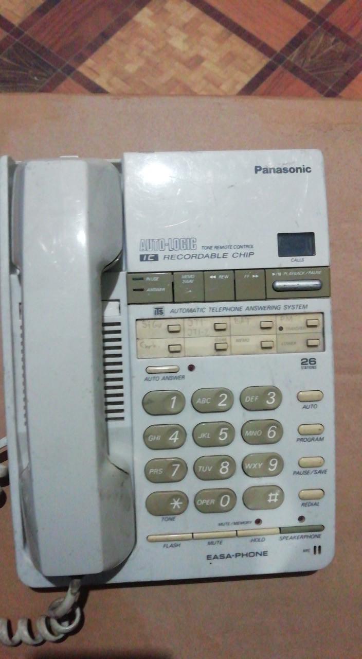 Телефон Panasoniс с автоответчиком с громкой связи