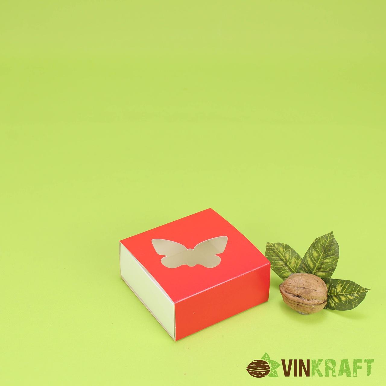 """Коробка 80*80*35 для пряника з вікном в формі """"Метелика"""", червона"""