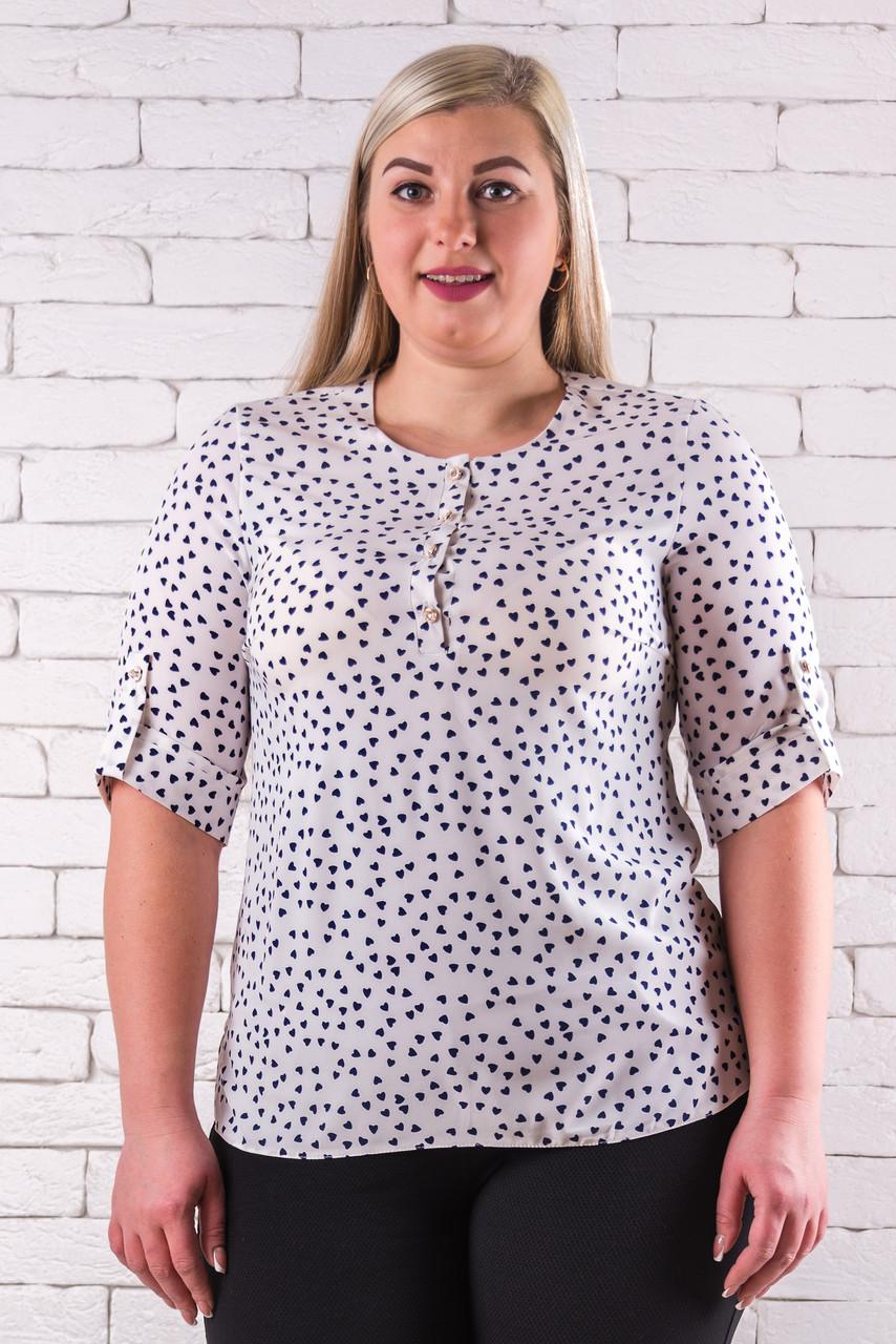 Женская блуза 50-60 молочный с цветочным принтом