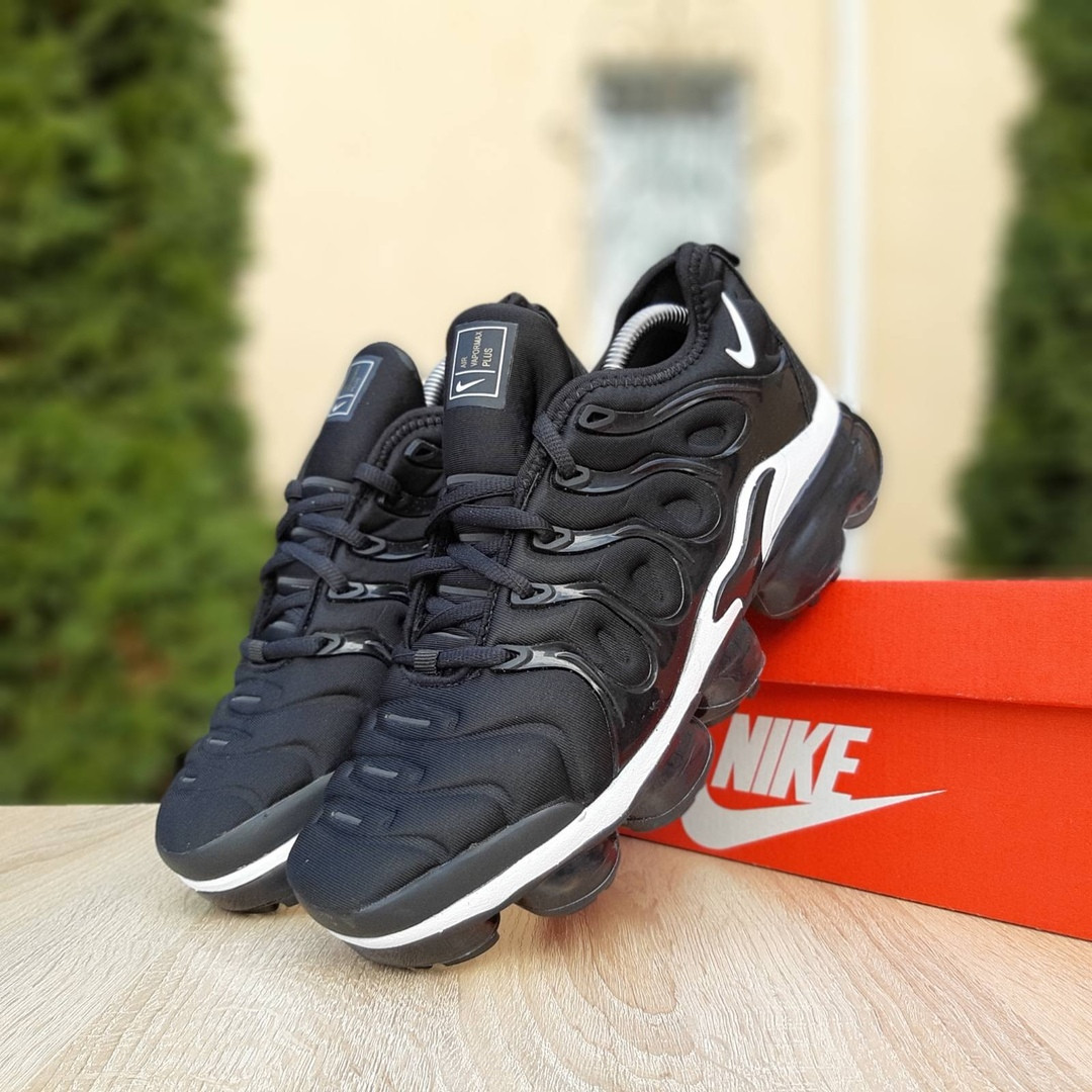 Мужские кроссовки Nike Air VaporMax (черно-белые)