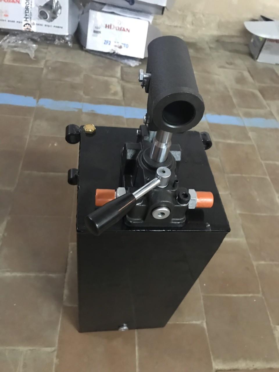 Насос ручной Hydro-pack 25 л/мин. + бак 5 л  PRB 25/408