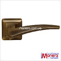 Дверные ручки на квадратной розетке MANERA Z-114 AB (античная бронза)