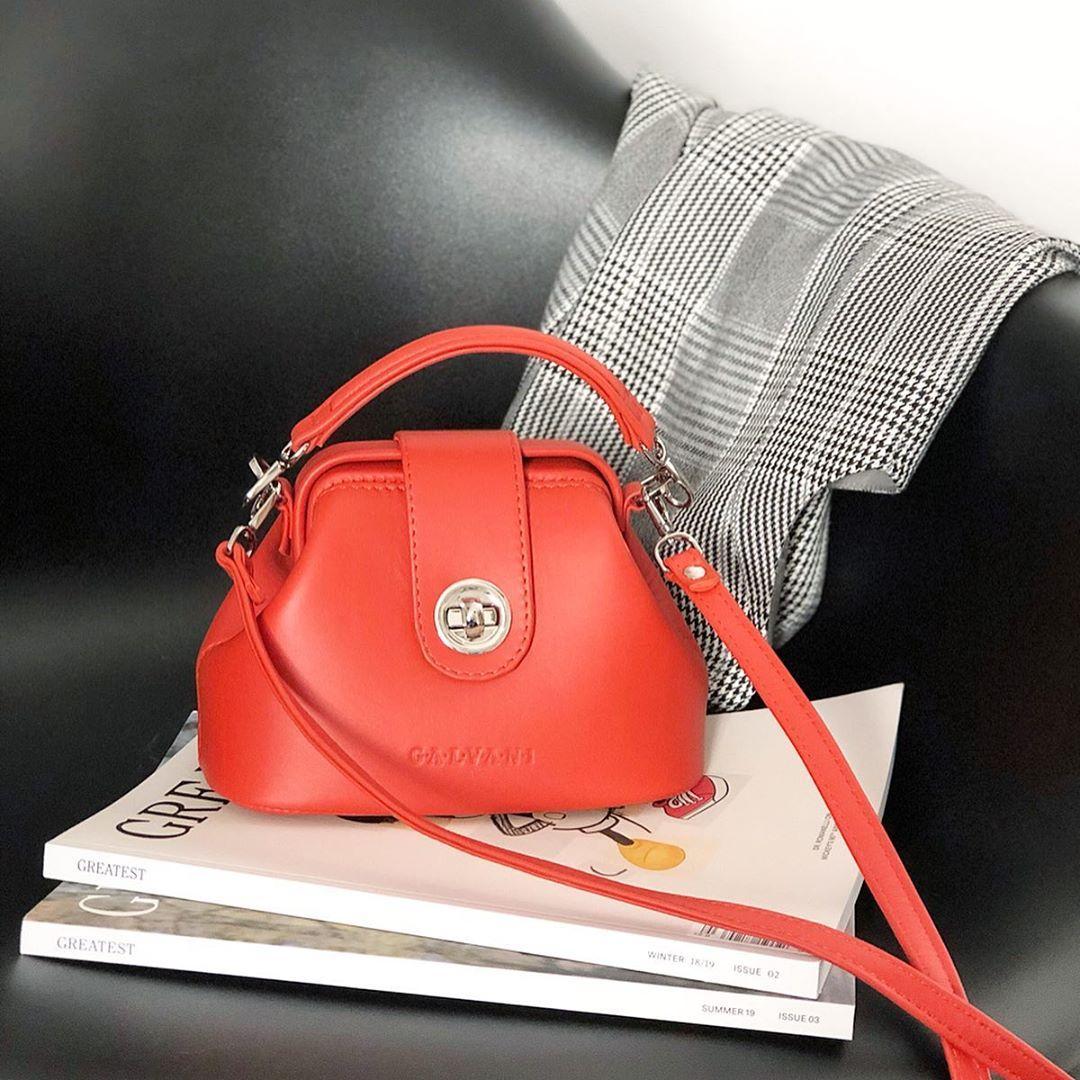Жіноча шкіряна сумка саквояж VOYAGE MICRO