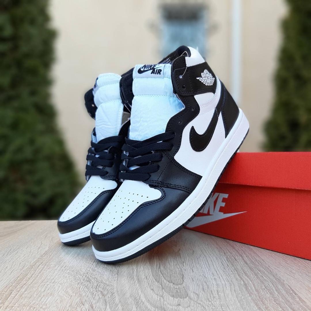 Мужские кроссовки Nike Air Jordan 1 Retro (бело-черные)