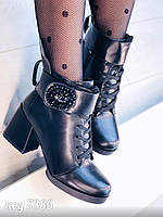 Ботинки ботильоны женские зимние на толстом каблуке с брошью и ремешком, фото 1