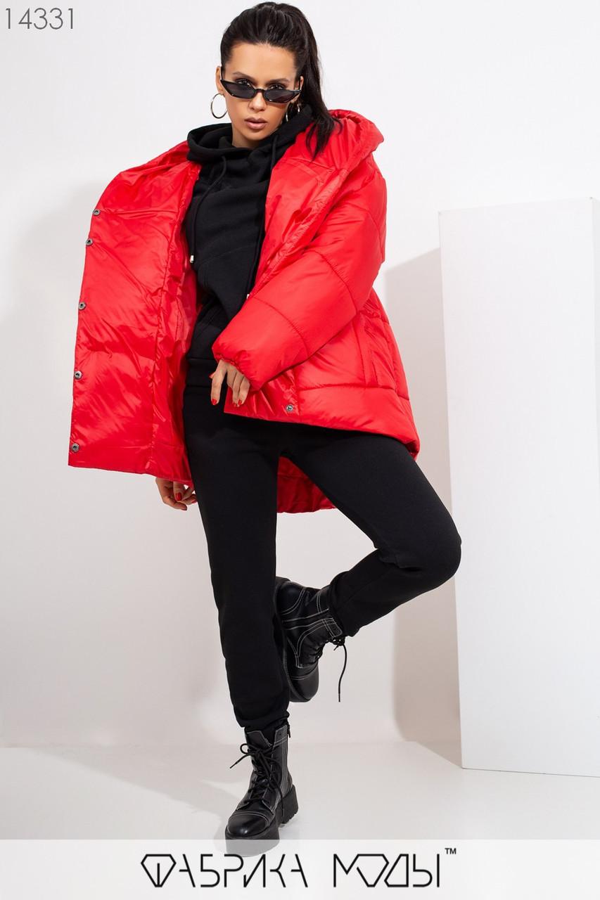 Куртка в стиле oversize асимметричного кроя с капюшоном, застежками-кнопками по всей длине и прорезными карманами 14331