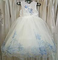 3.299 Пышное бело-синее нарядное детское платье-маечка с вышивкой на 3-4 годика