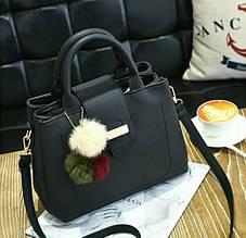 Женская сумка с меховым пампоном