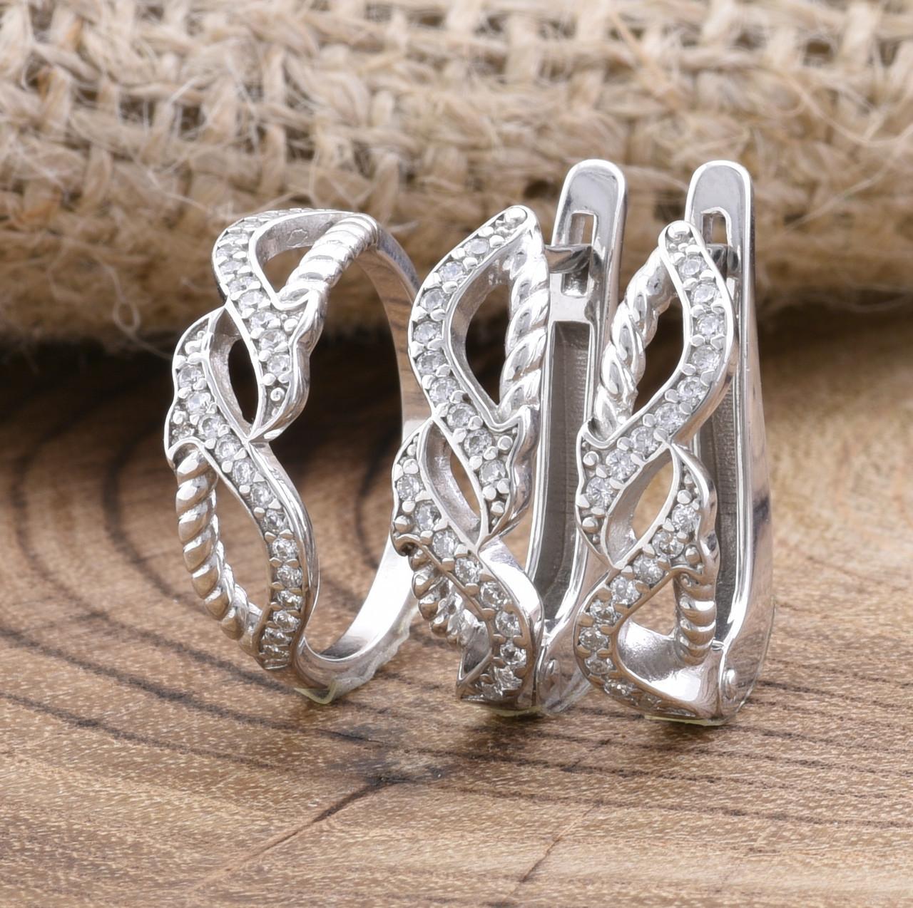 Серебряный набор Ш675 кольцо размер 16 + серьги 19х5 мм вставка белые фианиты