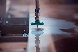 Резка металла водой