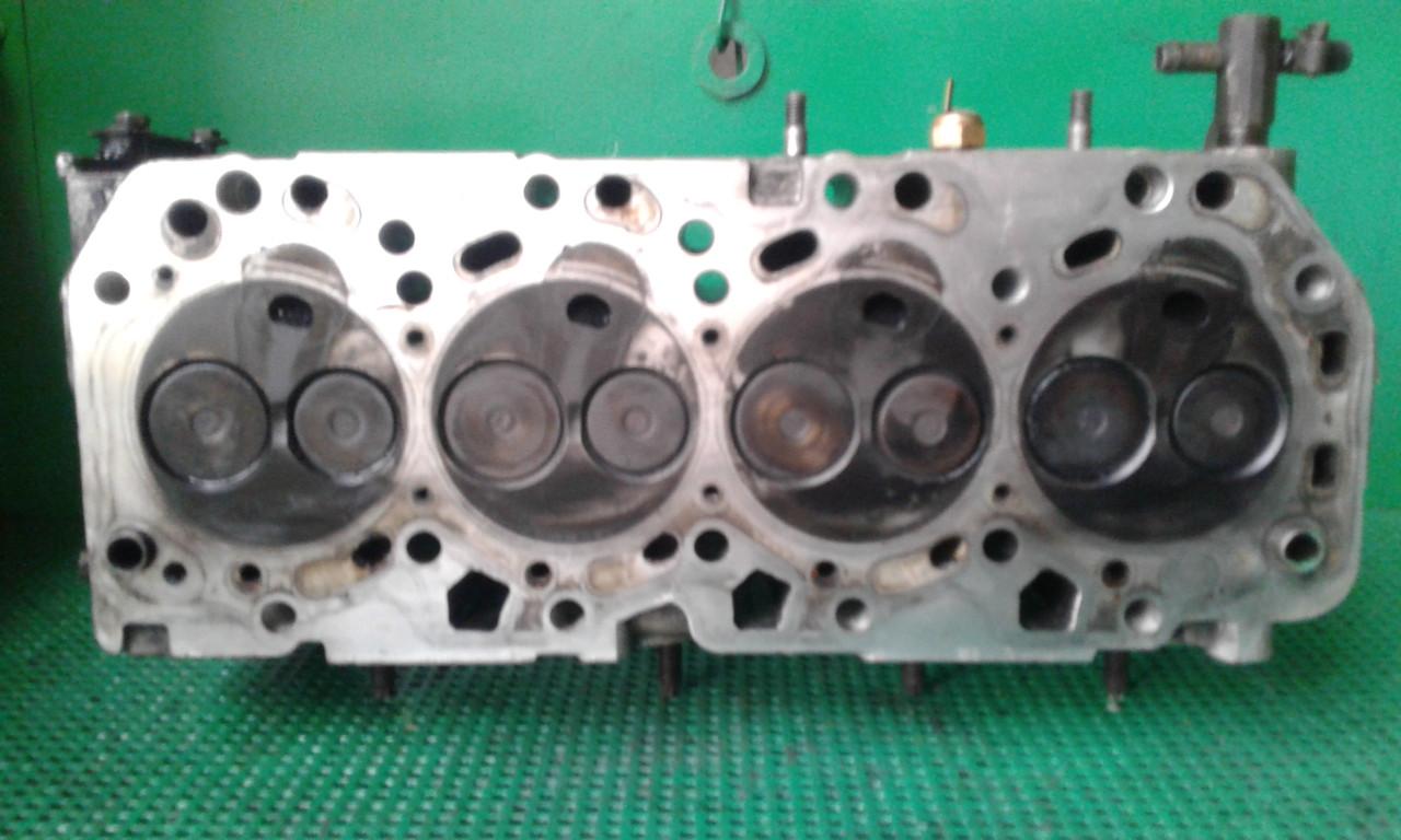 Б/у головка блока для Toyota Carina 2,0 TD