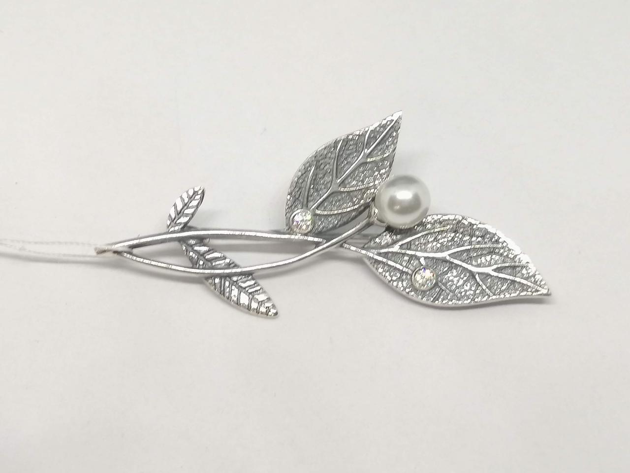 Срібна брошка з перлами і фіанітами. Артикул 7127