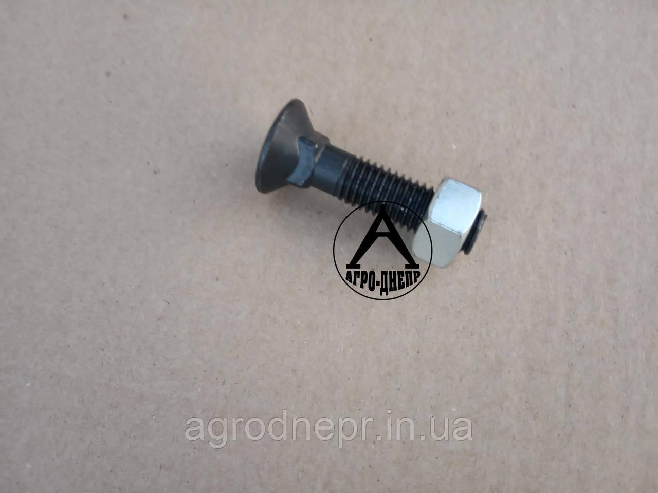 3015795 Болт з потайною головкою М12*50-10,9 + гайка Zn