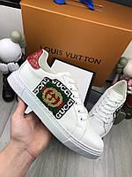 Кроссовки Gucci Мужские белые кроссовки Гуччи с логотипом Кеды белого цвета Гуччи с красным задником
