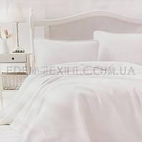 Красивое покрывало для спальни с наволочками Liv, Кремовый, 240х260