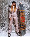 Жіночий зимовий комбінезон гірськолижний з гумкою на талії і хутряною опушкою на капюшоні 18gk43, фото 2