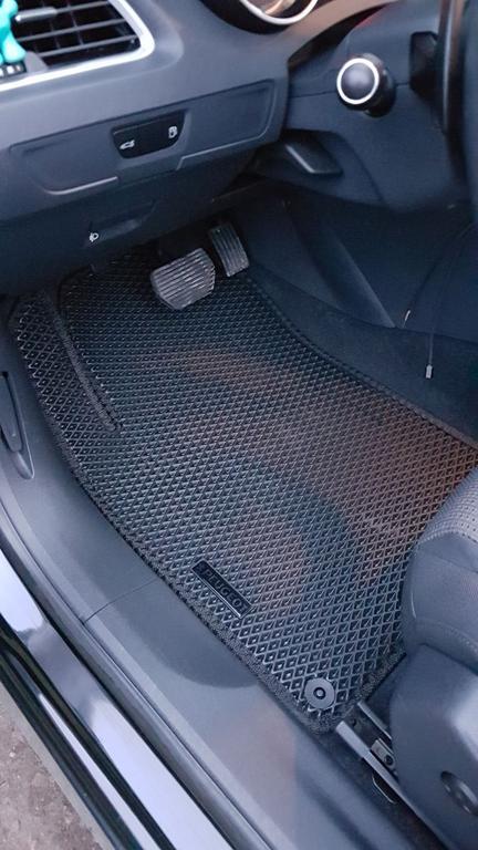 Наши коврики EVA в салоне Peugeot 508 '10-17