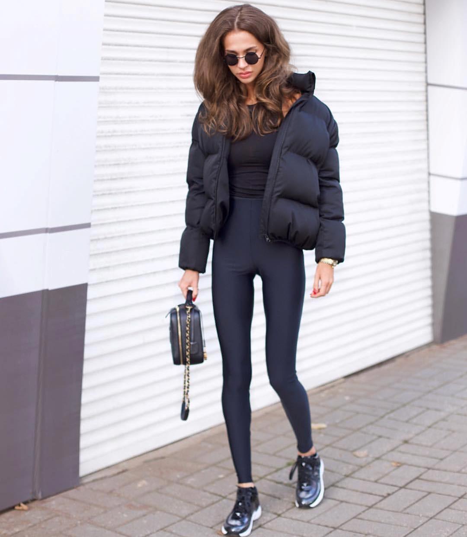 Трендовый объемный дутый пуховик куртка короткий мини теплый зимний черный белый с карманами оверсайз