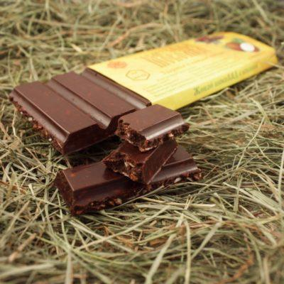 Шоколад из какао-бобов с сушеным кокосом