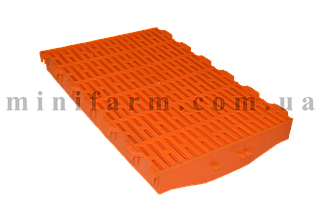Пластиковая щелевая решетка для свиноматок
