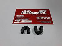 Скоба решетки радиатора T4 701805163