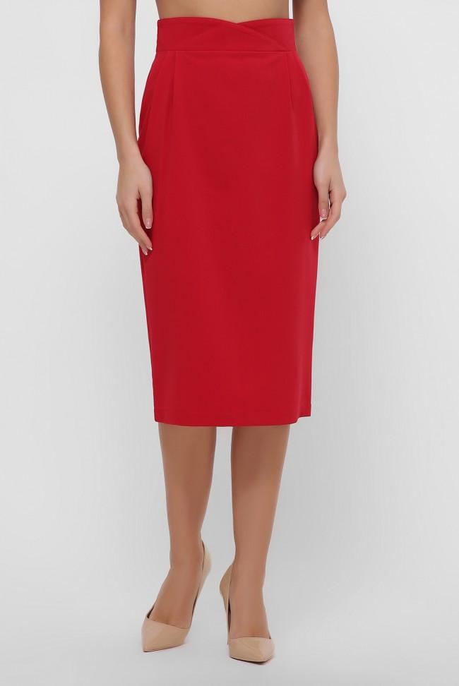 Красная юбка миди, зауженная к низу, с оригинальным поясом