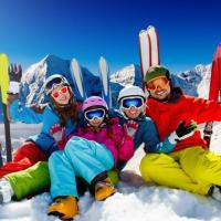 Гірськолижна та сноубордична одяг