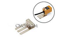 Кронштейн для крепления индуктивного датчика OMRON