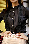 Класична блуза приталеного крою з ажурним декором, фото 3