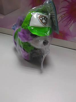 Мягкая игрушка собачка в зеленом костюме