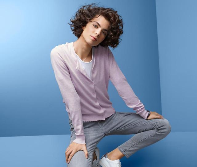 Женская одежда (кардиганы, кофты, полуверы, свитера)