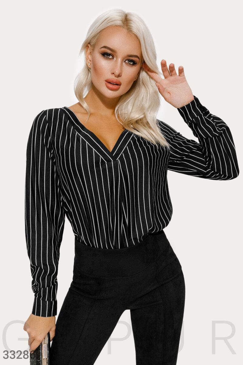 Жіноча класична блуза в смужку