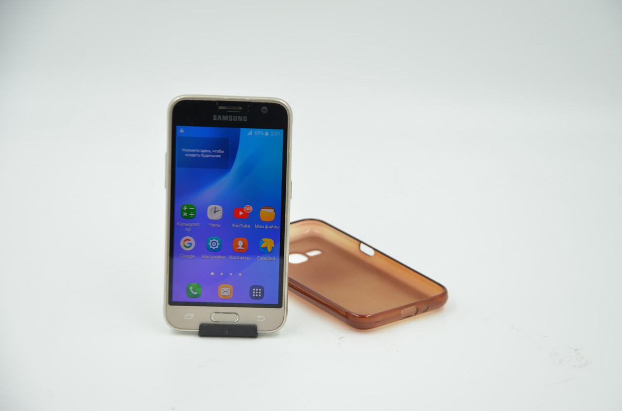 Смартфон Samsung Galaxy J1 2016 (SM-J120H)