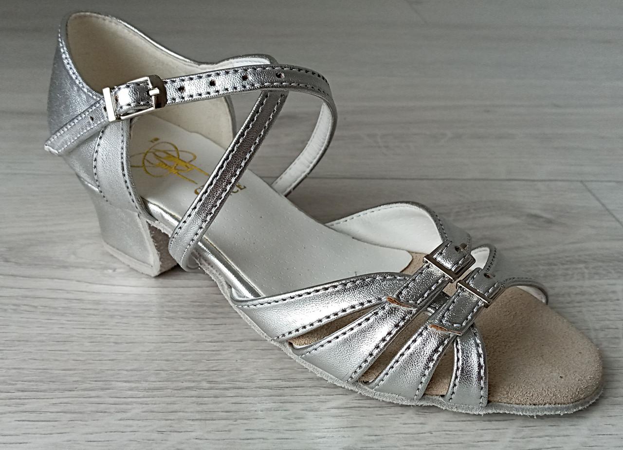 Туфли для бальных танцев ClubDance Б-2 серебро
