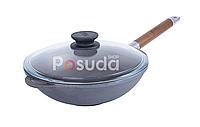 Сковорода чугунная WOK с деревянной ручкой и стеклянной крышкой Биол 1526с, фото 1