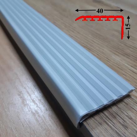 Накладка антискользящая прорезиненная на самоклеющейся основе 15х40, длина 1,35 м Светло-серый
