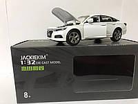 Машинка коллекционная Honda Accord Sport Turbo белая металлическая модель в масштабе 1:32