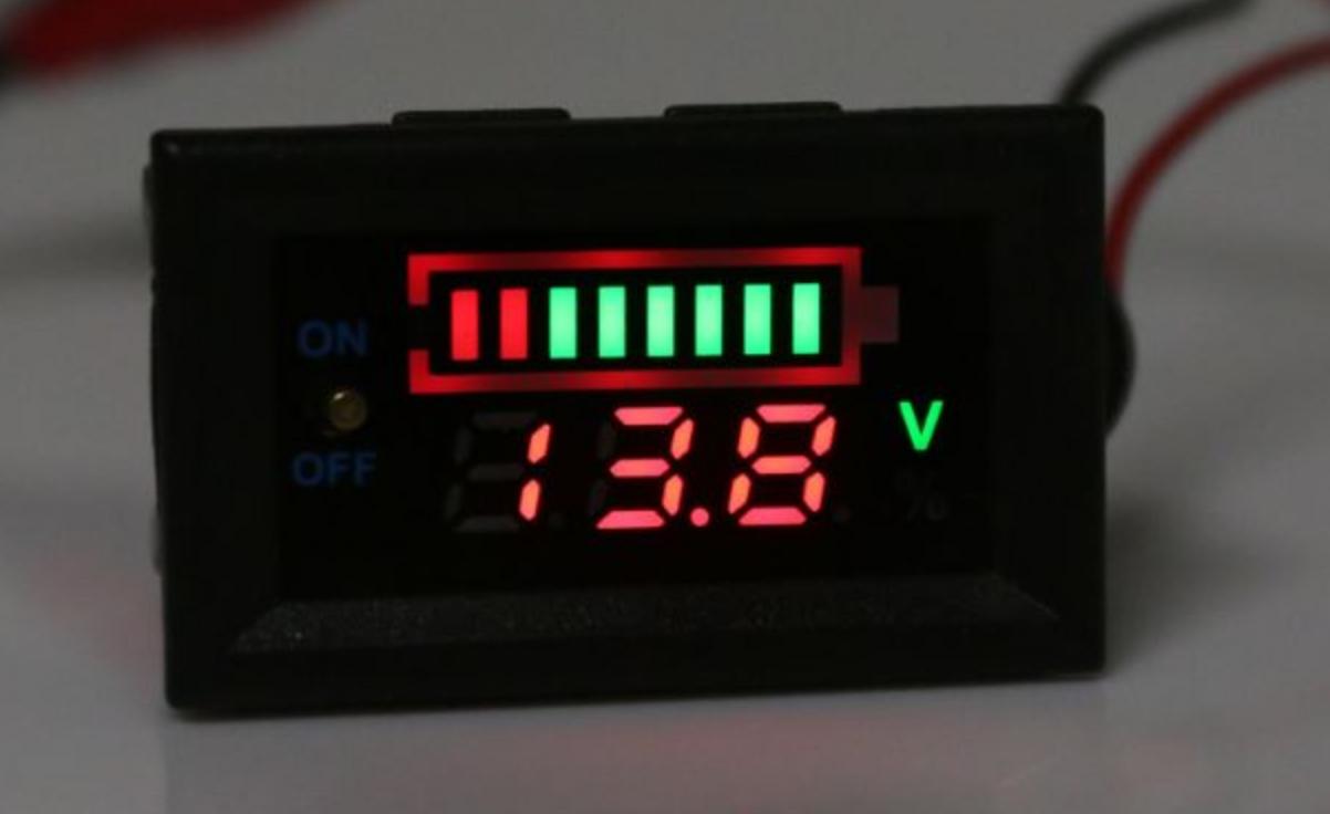 Автомобільний вольтметр/тестер індикатор ємності