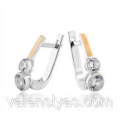 Серебряные изящные серьги с фианитами и золотом