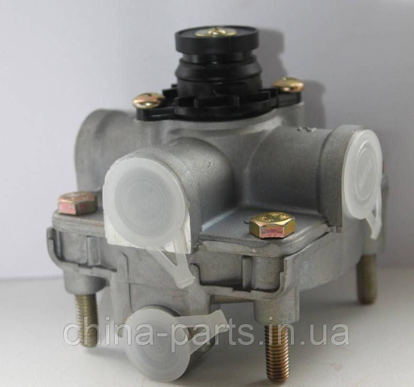 Клапан тормозной (ускорительный)  HOWO   WG9000360134  #запчасти HOWO