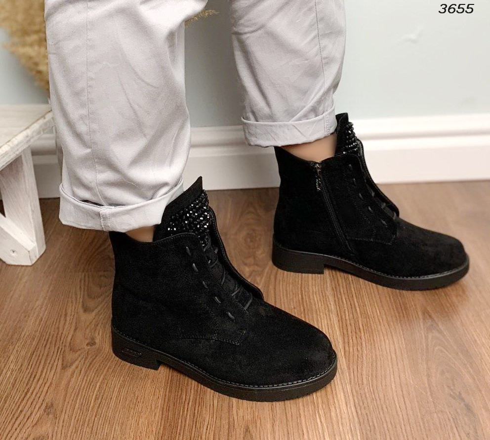 Зимние черные ботинки на шнуровке