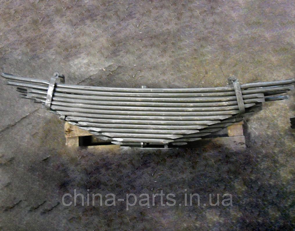 Рессора задняя в сборе 6х4 (коренной лист нового образца под подушку) WG9725520284