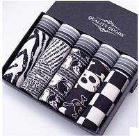 Подарочный набор белья мужские черно-белые мужские трусы с рисунками