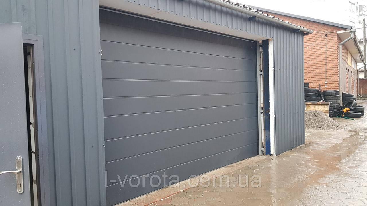 Секционные подъемные ворота DoorHan ш3600мм, в2400мм (цвет сатингрей)