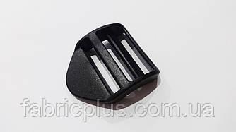 Пряжка перетяжка тройная 38 мм черная пластиковая