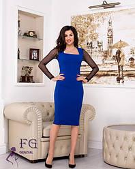 Нарядное платье-футляр миди по фигуре с квадратным декольте и рукавами из сетки синее