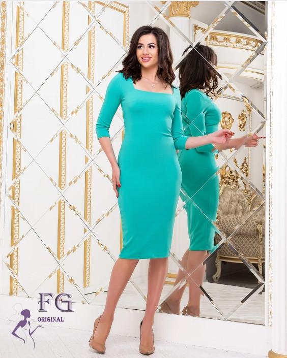 Ошатне плаття-футляр міді з глибоким вирізом м'ятна