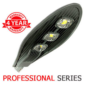 Консольний вуличний світильник LED 150W 6000-6500К з лінзою серія PROFESSIONAL